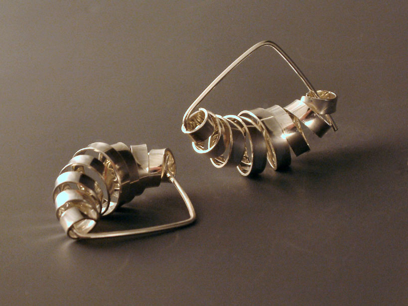 Cocoon Horizontal Earrings